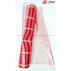 Red simple con hilo rojo